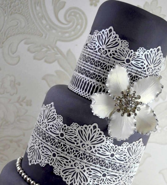 "Claire Bowman - Cake Lace Mat ""serenity"""